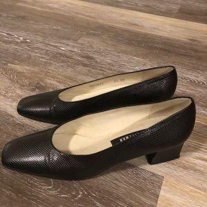Vintage Stuart Weizman Heels